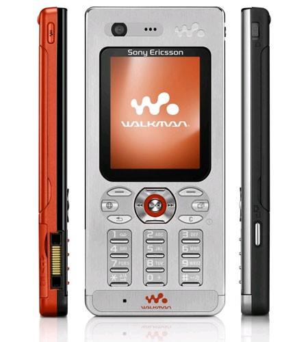 Сони Эриксон делает обновленный жидкокристаллический телефон Walkman