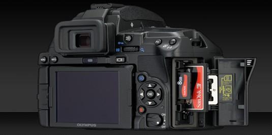 E-5: квалифицированная защищённая зеркалка от Olympus