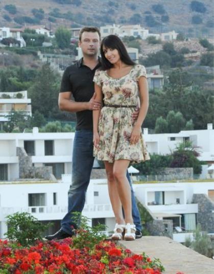 Беременная Алина Завальская передохнула в Греции (ФОТО)