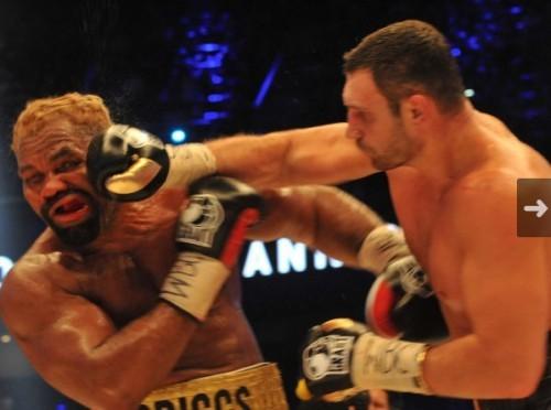 Атака Кличко на Бриггса была нарастающей (ФОТО)