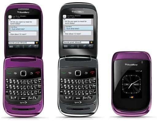 BlackBerry Style 9670: Смартфон-раскладушка с QWERTY