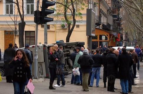 В Одессе автобус встретился с маршруткой (ФОТО)