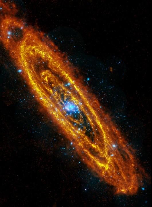 Размещены свежие фотографии галактики Андромеды (ФОТО)