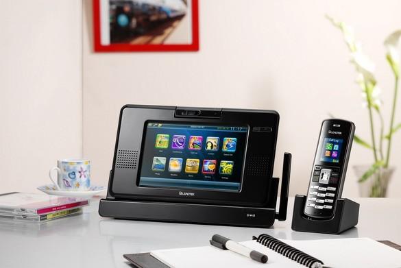 Leadtek AMOR8210: первый мультимедийный видеофон (ФОТО)
