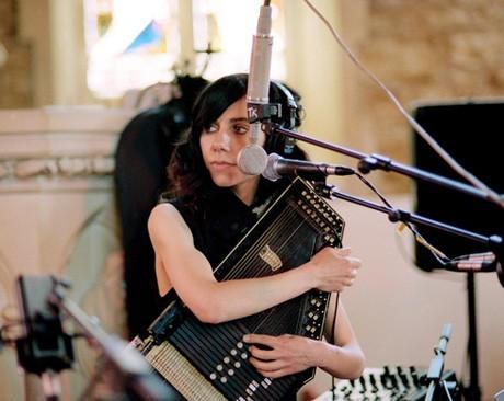 В интернете вышли 3 свежие песни PJ Harvey