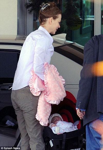 Николь Кидман продемонстрировала новорожденную дочку (ФОТО)