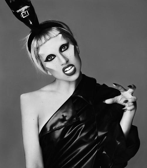 У Леди Гага первые 9 млн фолловеров в Твиттер