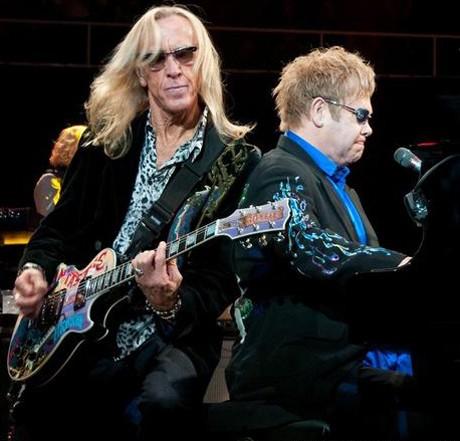 Elton Jock снова выступит в Киеве