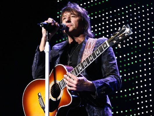 Из-за неприятностей с спиртным музыкант Bon Jovi не поедет в экскурсионный тур