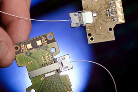 Intel продемонстрировала высокоскоростную зрительную технологию в 50 Гбит