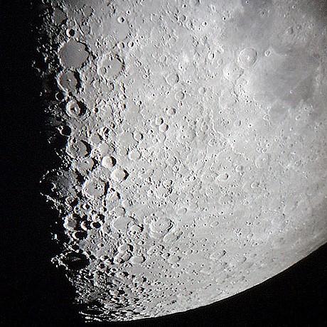Сценарист Даг Лайман готовится к полету на «Луну»