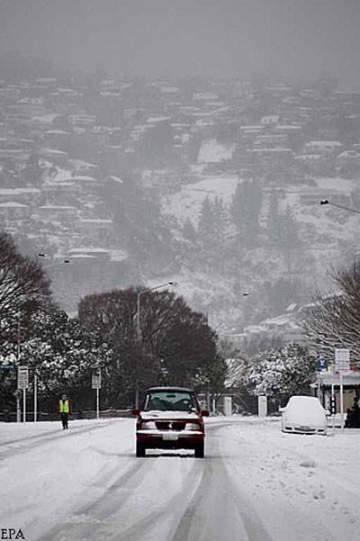 На Австралию обвалился снег