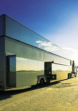 Эштон Катчер приобрел дом на колесах за $2 млн (ФОТО)