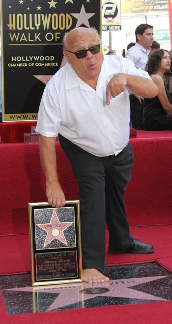 Дэнни ДеВито обрел звезду на Алее известности