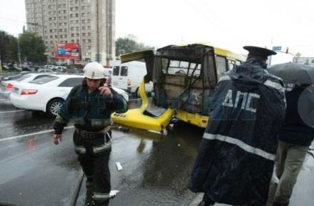Крупное ДТП в Киеве: 10 потерпевших
