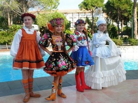 Семилетняя украинка получила звание «Мини-мисс Вселенная»