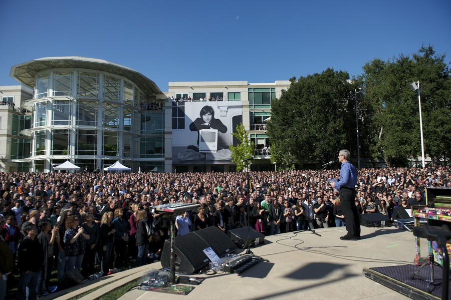 Эпл завела страничку памяти Стива Джобса