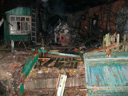 В Кременчуге автомашина проломила дом и разразилась