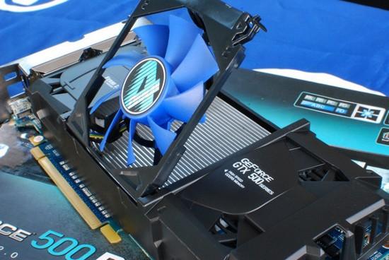 GeForce GTX 550 Ti с помощью 4-х экранов