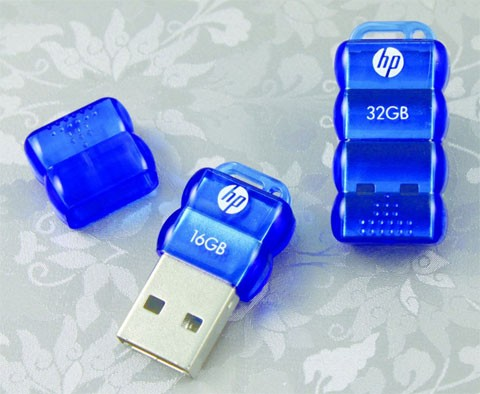 HP v112b — мини-флешка с масштабом до 32Гигабайт