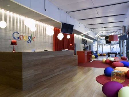 Акции Google утратили 9%