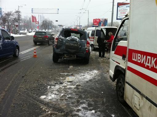 Большое ДТП в Киеве, среди потерпевших есть дети