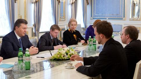О чем заявлял Янукович с агентами  Freedom House?