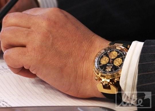 Сколько стоят часы Червоненко?