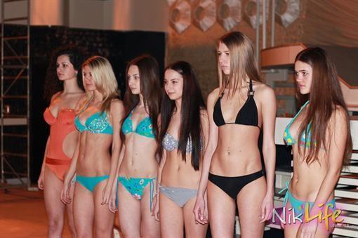 Девочки подростки на конкурсе