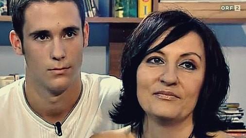 В Австрии 43-летняя преподавательница забеременела от воспитанника
