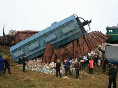 Озвучена ориентировочная причина катастрофы поезда на Львовщине